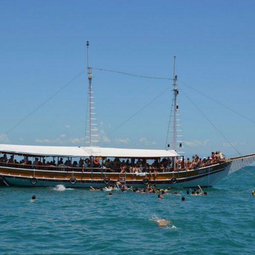 Passeio de Barco em Búzios RJ